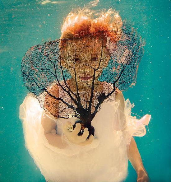 Fascinating surrealist world by Elena Kalis