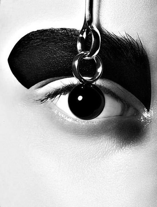 A distinctive style: Bo Egestroem, beauty and fashion photographer