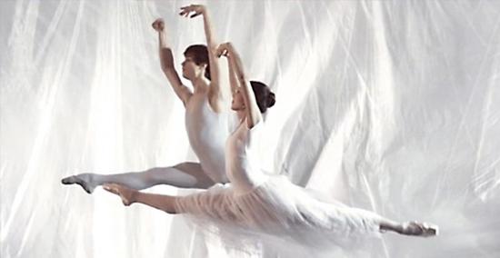 Le vent - ballet super slow motion