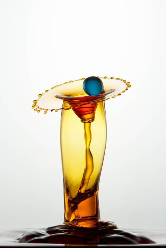 Splashes – amazing liquid sculptures by photographer Heinz Maier