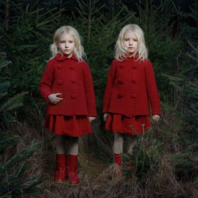 Two, photographs of little twin girls by Tereza Vlčková