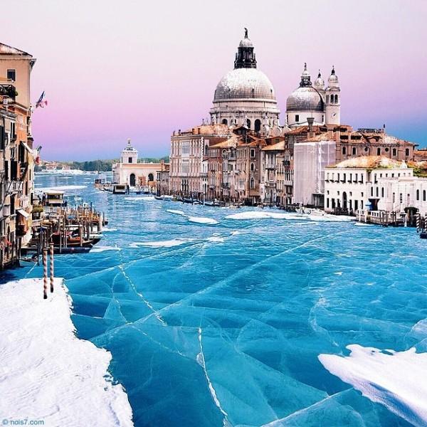 Surreal photos of a frozen Venice by Robert Jahns