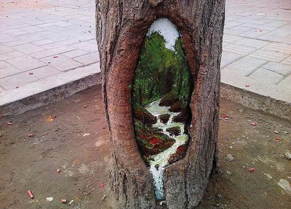 Wang Yu, painting on tree trunks