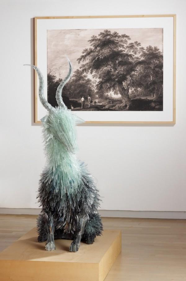 Lifelike animals formed from shattered glass by Marta Klonowska