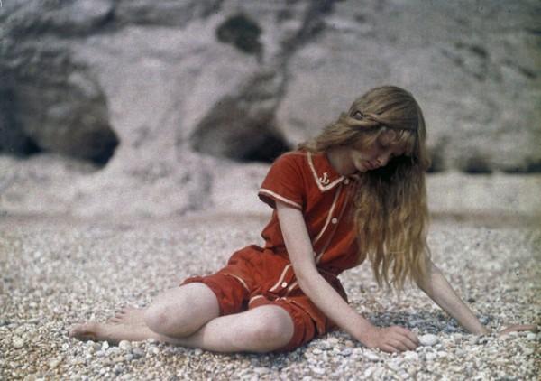 Christina In Red: Rare 1913 Autochrome portraits by Mervyn O'Gorman