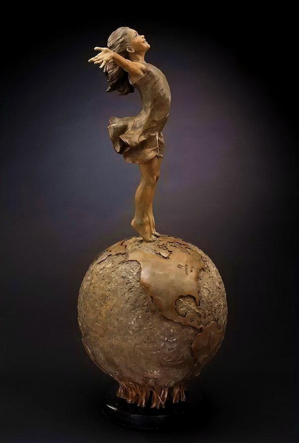 Sculpture by Angela Mia De la Vega