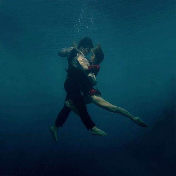 Underwater Tango – dance and aquatic photography by Katerina Bodrunova