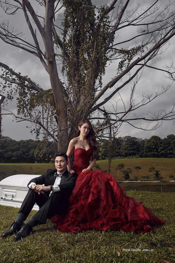 Undertaker couple take coffin-themed wedding photos