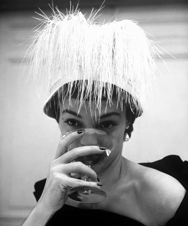 Amazing black and white fashion photography by Nina Leen