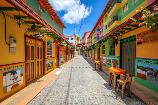 Colorful photos of Guatapé by Jessica Devnani