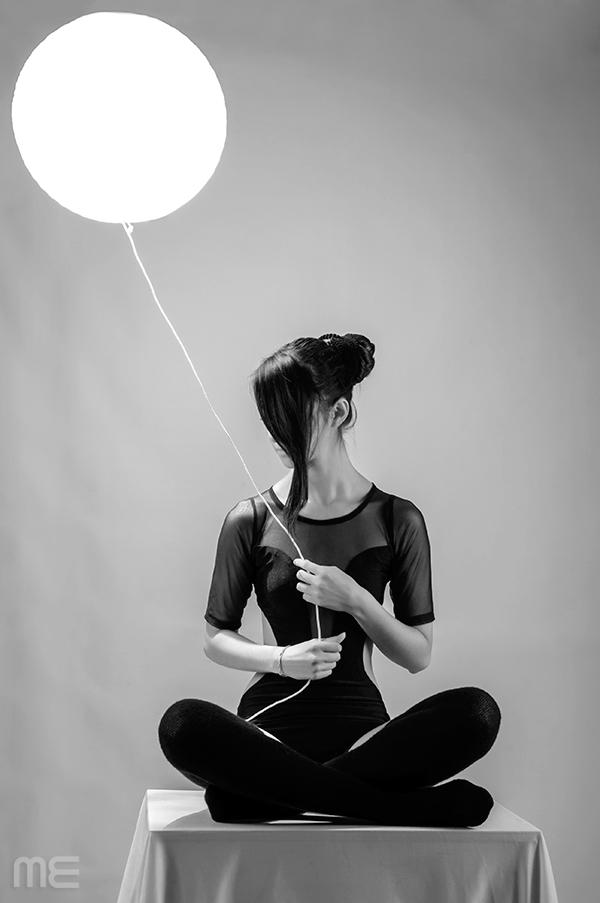 Moon, photography by Micke Espinosa