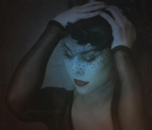 E, photography by Zsuzsanna Dofka