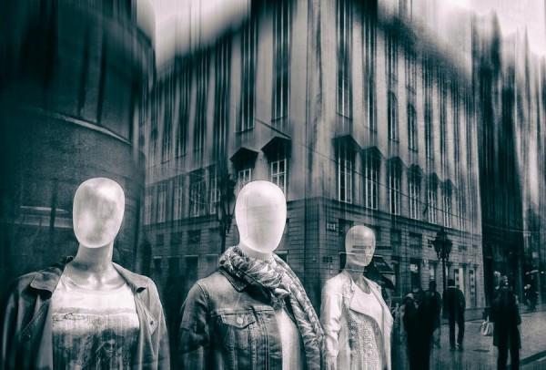 Aliens on the street, digital photography by Miklós Bodó