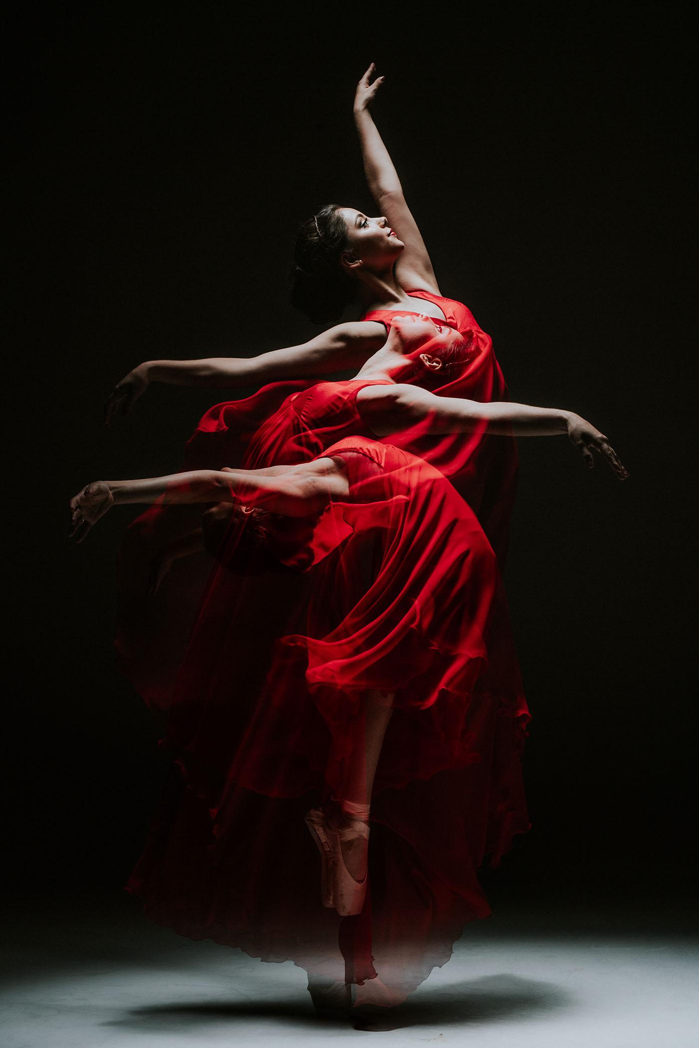 Ballerina XV, photography by Lazaro Casas
