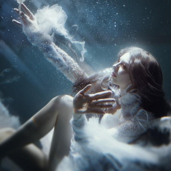 Underwater, photography by Ilona D. Veresk