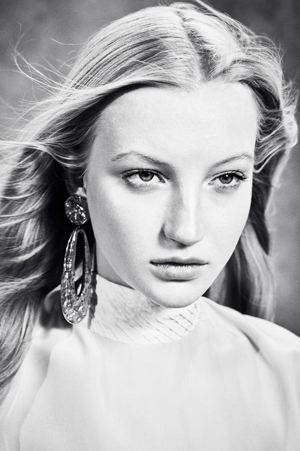 Who's that girl? photography by Elizaveta Porodina