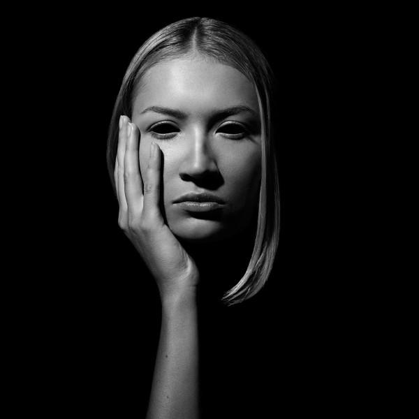 Under the skin, photography by Celia Suárez