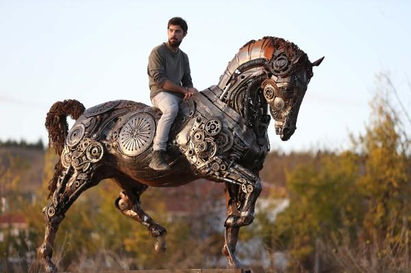 Mercury, sculpture by Cem Özkan