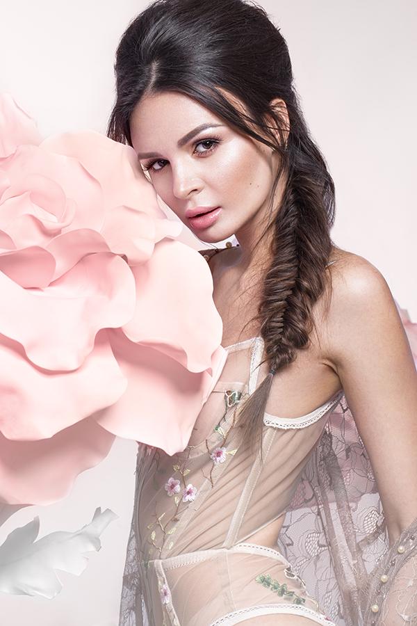 Gentle flowers, fashion styling by Nikita & Olga Kobrin