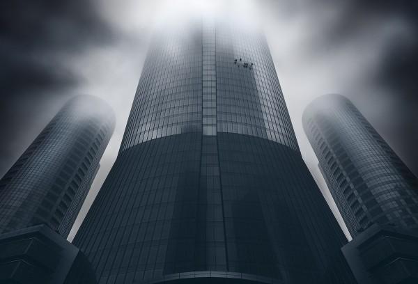 Khalid Al Hammadi, photos of Abu Dhabi's architecture immersed in fog
