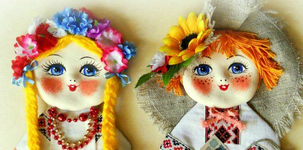Ukraine, dolls by Alexandra Berzaine