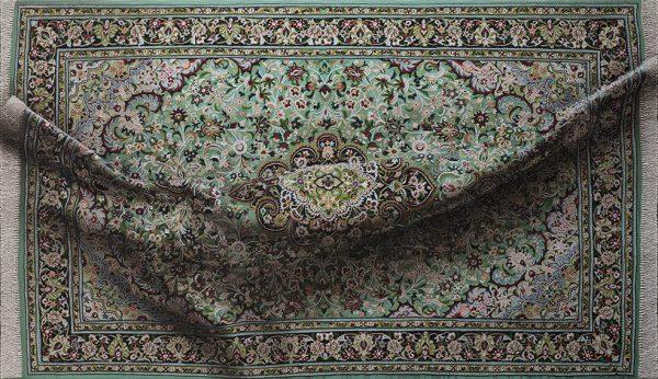 Antonio Santín, Hyperrealistic paintings of patterned rugs