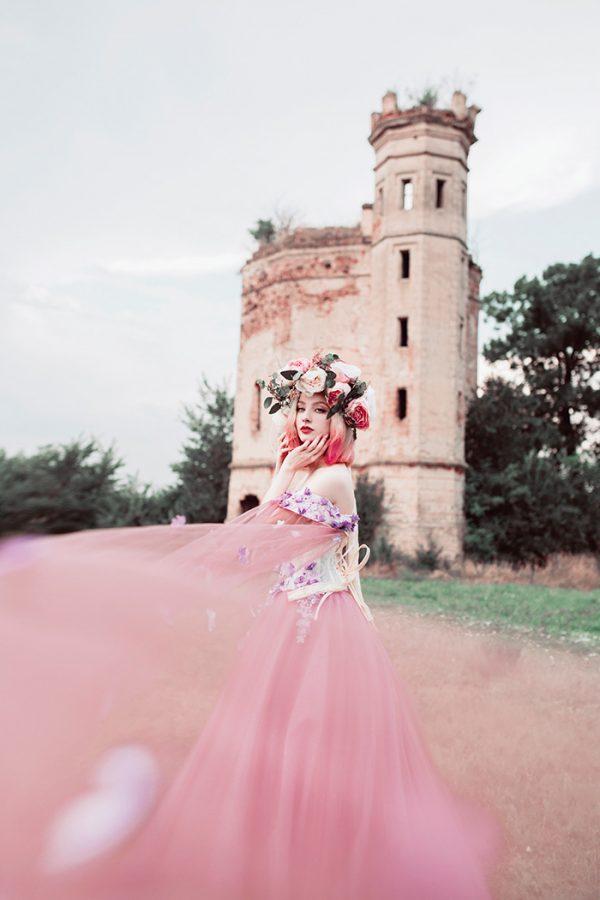 Castle girl, photography by Jovana Rikalo