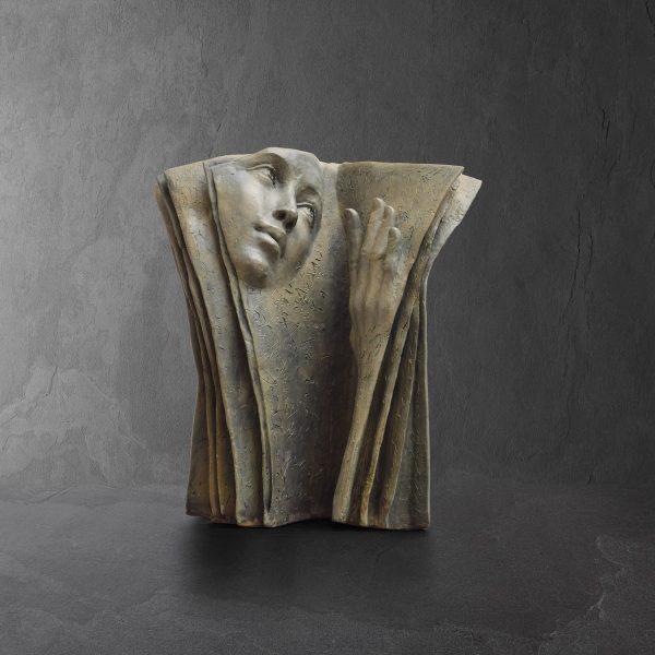 Evocative bronze sculptures by Paola Grizi