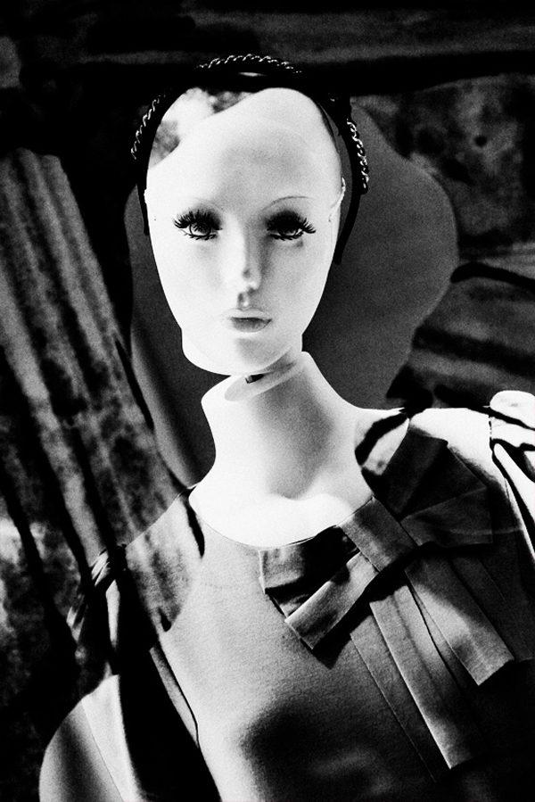 Dolls In Silence, photography by Osamu Jinguji
