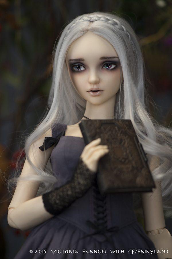 Lunnula Moonbeams, character design by Victoria Francés